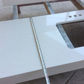 High Hardness White Quartz Kitchen Worktops / Sparkle Quartz Countertops